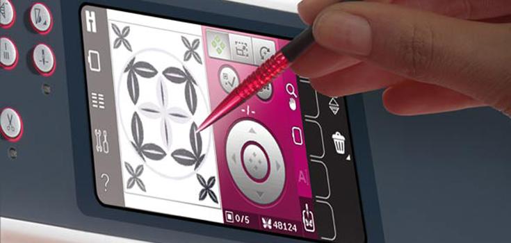 Anpassen von Stickdesigns direkt auf dem Color-Touchscreen
